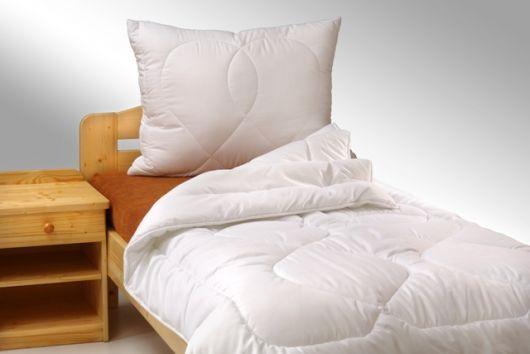 Prodloužená přikrývka z dutého vlákna Standard 140x220cm zimní